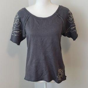 Umgee : Lotus Embroidered Raw Hem Sweatshirt Tee